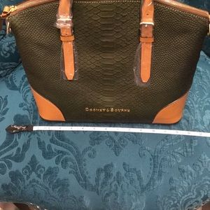 Dooney & Bourke Bags - 🚫SOLD🚫Dooney & Bourke Domed Leather Satchel